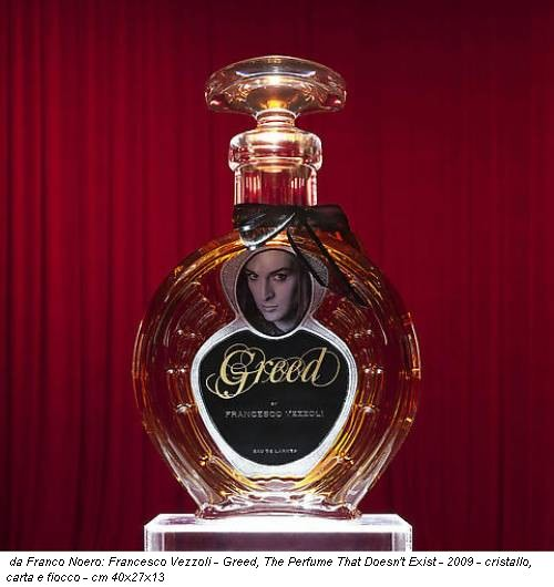 da Franco Noero: Francesco Vezzoli - Greed, The Perfume That Doesn't Exist - 2009 - cristallo, carta e fiocco - cm 40x27x13