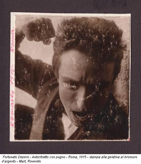 Fortunato Depero - Autoritratto con pugno - Roma, 1915 - stampa alla gelatina al bromuro d'argento - Mart, Rovereto