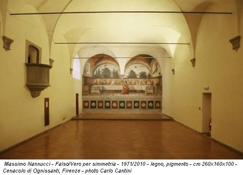 Massimo Nannucci - Falso/Vero per simmetria - 1971/2010 - legno, pigmento - cm 260x160x100 - Cenacolo di Ognissanti, Firenze - photo Carlo Cantini