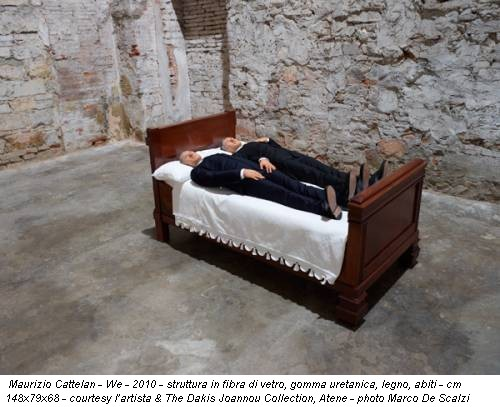 Maurizio Cattelan - We - 2010 - struttura in fibra di vetro, gomma uretanica, legno, abiti - cm 148x79x68 - courtesy l'artista & The Dakis Joannou Collection, Atene - photo Marco De Scalzi