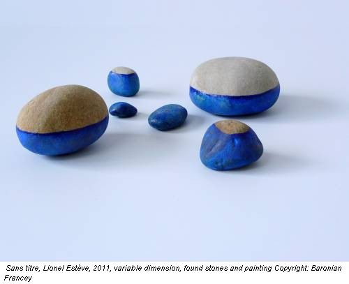 Sans titre, Lionel Estève, 2011, variable dimension, found stones and painting Copyright: Baronian Francey