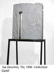 Isa Genzken, Tor, 1996. Collezione Gaddi