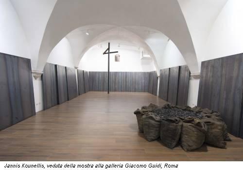 Jannis Kounellis, veduta della mostra alla galleria Giacomo Guidi, Roma