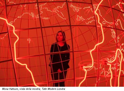 Mona Hatoum, vista della mostra, Tate Modern Londra