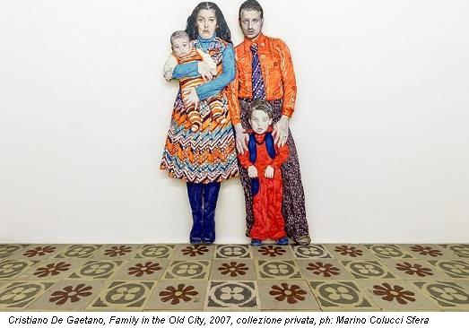Cristiano De Gaetano, Family in the Old City, 2007, collezione privata, ph: Marino Colucci Sfera
