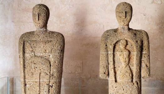 Fino al 30.IX.2016 Le sentinelle della duchessa. I Testimoni di Mimmo Paladino Museo Archeologico di Santa Scolastica, Bari