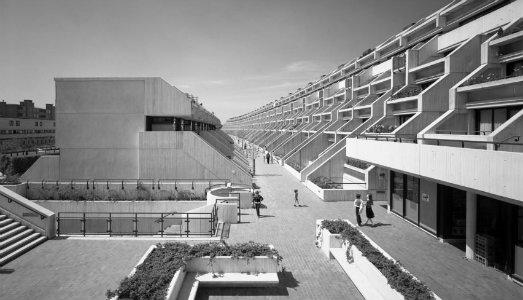 Il royal institute premia neave brown l architetto che ha - British institute milano porta venezia ...
