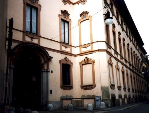 Palazzo clerici milano for Via clerici milano