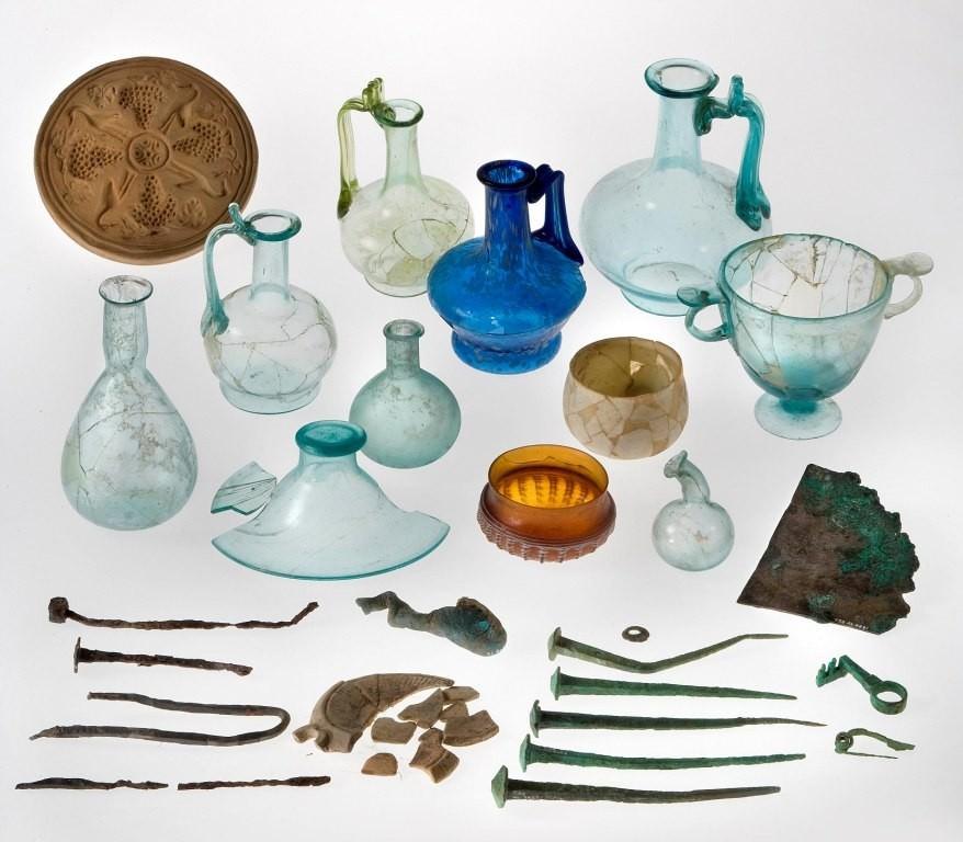 Altino vetri di laguna for Vasi antichi romani
