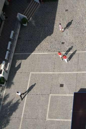 fino al 6.X.2006 | Il vuoto al centro | Montesilvano (pe), sedi varie