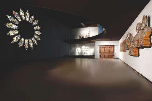 CORONAMENTO D'UN MUSEO