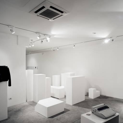 fino al 30.V.2010 | Etienne Chambaud | Roma, Nomas Foundation
