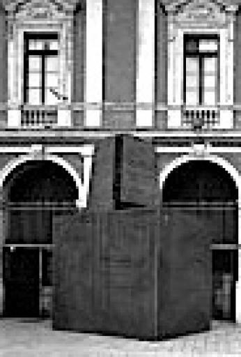 fino al 30.IX.2010 | Jannis Kounellis | Bari, Teatro Margherita