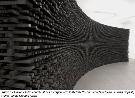 Nunzio - Avaton - 2007 - combustione su legno - cm 200x700x160 ca. - courtesy Luisa Laureati Briganti, Roma - photo Claudio Abate