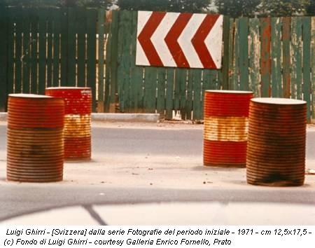 Luigi Ghirri - [Svizzera] dalla serie Fotografie del periodo iniziale - 1971 - cm 12,5x17,5 - (c) Fondo di Luigi Ghirri - courtesy Galleria Enrico Fornello, Prato