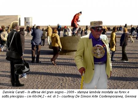 Daniela Carati - In attesa del gran sogno - 2009 - stampa lambda montata su forex e sotto plexiglas - cm 60x94,2 - ed. di 3 - courtesy De Simoni Arte Contemporanea, Genova