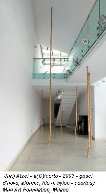 Jurij Atzei - a(C)/corto - 2009 - gusci d'uovo, albume, filo di nylon - courtesy Mud Art Foundation, Milano