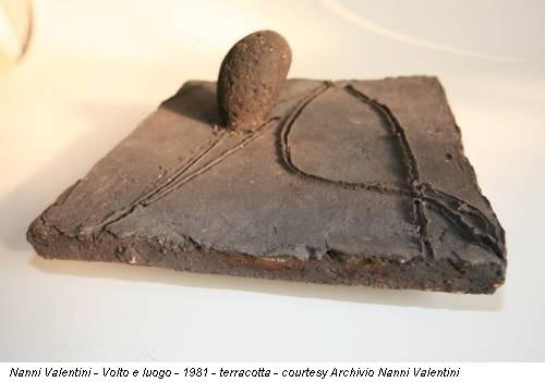 Nanni Valentini - Volto e luogo - 1981 - terracotta - courtesy Archivio Nanni Valentini
