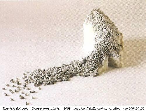 Maurizio Battaglia - Stonescornerglacier - 2009 - noccioli di frutta dipinti, paraffina - cm 560x30x30