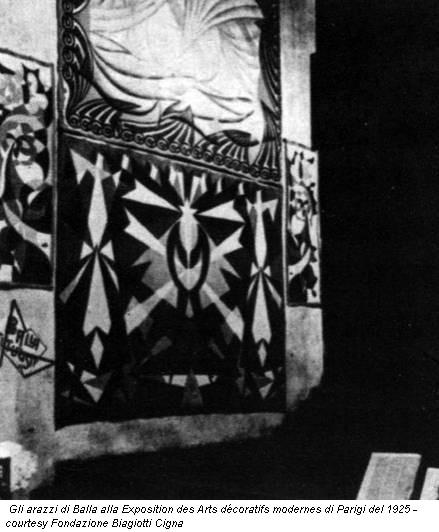 Gli arazzi di Balla alla Exposition des Arts décoratifs modernes di Parigi del 1925 - courtesy Fondazione Biagiotti Cigna