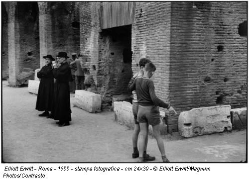Elliott Erwitt - Roma - 1955 - stampa fotografica - cm 24x30 - © Elliott Erwitt/Magnum Photos/Contrasto