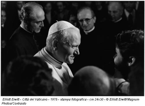 Elliott Erwitt - Città del Vaticano - 1978 - stampa fotografica - cm 24x30 - © Elliott Erwitt/Magnum Photos/Contrasto