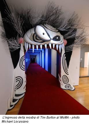 L'ingresso della mostra di Tim Burton al MoMA - photo Michael Locasiano