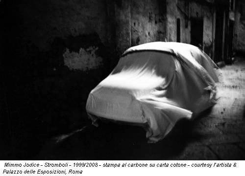 Mimmo Jodice - Stromboli - 1999/2008 - stampa al carbone su carta cotone - courtesy l'artista & Palazzo delle Esposizioni, Roma