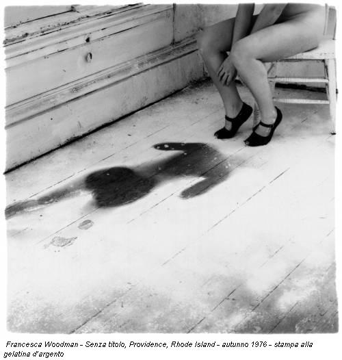 Francesca Woodman - Senza titolo, Providence, Rhode Island - autunno 1976 - stampa alla gelatina d'argento