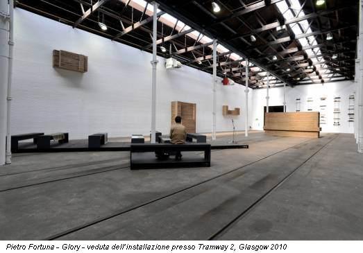 Pietro Fortuna - Glory - veduta dell'installazione presso Tramway 2, Glasgow 2010