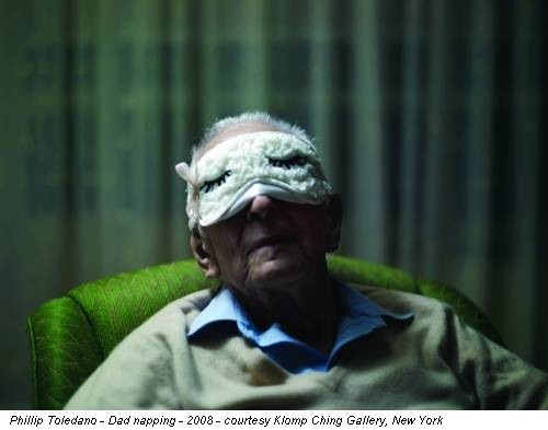 Phillip Toledano - Dad napping - 2008 - courtesy Klomp Ching Gallery, New York
