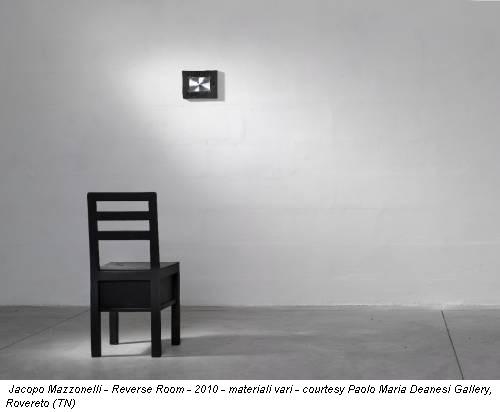 Jacopo Mazzonelli - Reverse Room - 2010 - materiali vari - courtesy Paolo Maria Deanesi Gallery, Rovereto (TN)