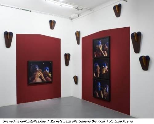Una veduta dell'installazione di Michele Zaza alla Galleria Bianconi. Foto Luigi Acerra