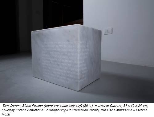 Sam Durant. Black Powder (there are some who say) (2011), marmo di Carrara, 31 x 40 x 24 cm, courtesy Franco Soffiantino Contemporary Art Production Torino, foto Dario Muzzarino – Stefano Monti
