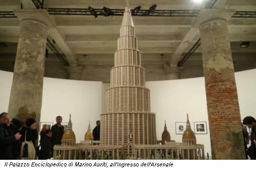 Il Palazzo Enciclopedico di Marino Auriti, all'ingresso dell'Arsenale