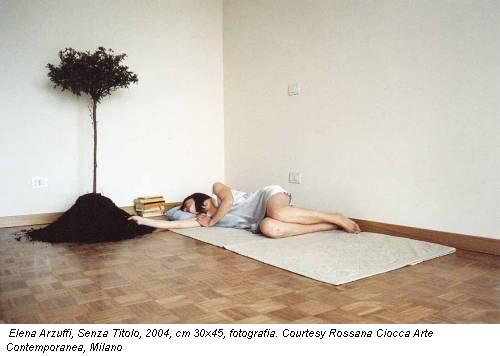 Elena Arzuffi, Senza Titolo, 2004, cm 30x45, fotografia. Courtesy Rossana Ciocca Arte Contemporanea, Milano