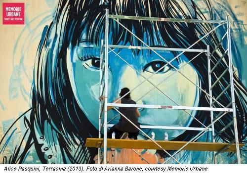 Alice Pasquini, Terracina (2013). Foto di Arianna Barone, courtesy Memorie Urbane