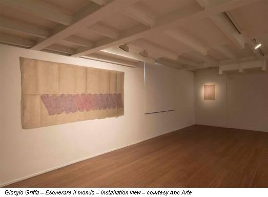 Giorgio Griffa – Esonerare il mondo – Installation view – courtesy Abc Arte