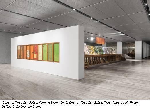 Sinistra: Theaster Gates, Cabinet Work, 2015. Destra: Theaster Gates, True Value, 2016. Photo: Delfino Sisto Legnani Studio