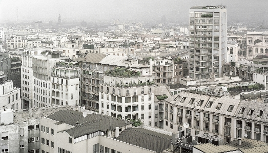 Fino al 27.IV.2019 | Vincenzo Castella, Milano | Building, Milano