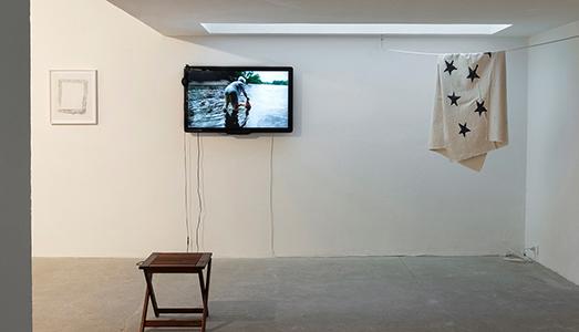 Fino al 22.XI.2018 | Simone Forti, On An Iron Post | Galleria Raffaella Cortese, Milano