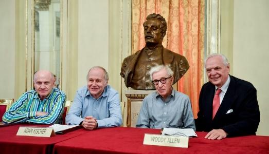 Woody Allen dirigerà il Gianni Schicchi di Puccini alla Scala di Milano