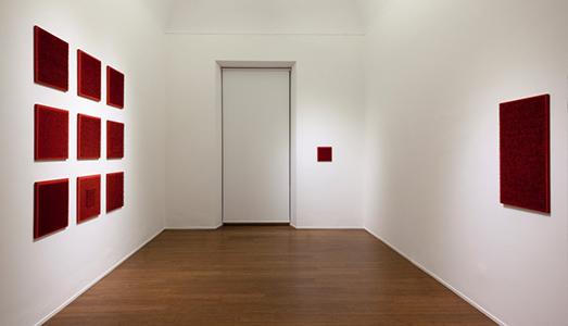 Fino al 28.IV.2017 | Bernard Aubertin, Situazione pittorica del rosso | Abc Arte, Genova