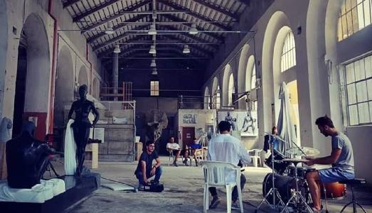Quattro giovani scultori e l'amore per il marmo. A Carrara, storia di una cooperativa