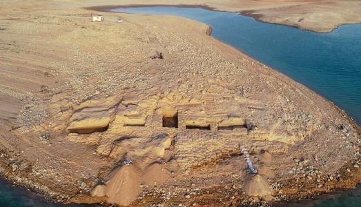 In Iraq, la siccità fa emergere le antiche rovine della misteriosa città di Zakhiku