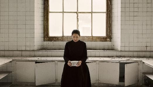 Per la sua prossima mostra a Milano, Marina Abramovic interpreterà Santa Teresa la mistica