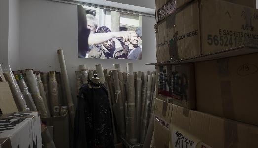 Cosa vedeva Phara? Il progetto di Giulio Squillacciotti all'Archivio Van den Broeck di Milano