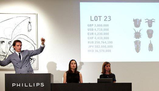 Ai Wei Wei trascina Phillips
