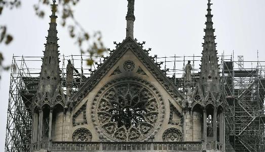 Ricostruire Notre-Dame? Sì ma senza fretta. E parte la lettera al Presidente Macron