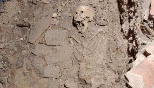Negli scavi degli Uffizi è stato ritrovato l'antico scheletro di una donna